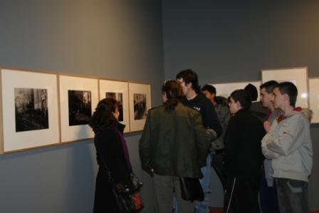 Visita del IES Miralbueno a la exposición Transformaciones